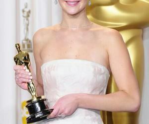 Jennifer Lawrence, oscar, and jlaw image