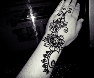 islam, henna designs, and for women image