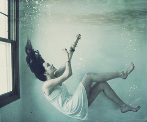 girl, water, and drowning image