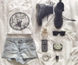 fashion, outfit, and 5sos image