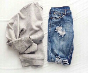 casual, outfit, and sueter image