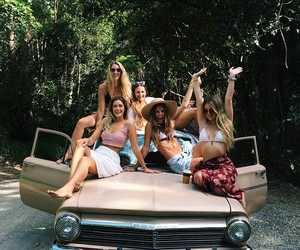 friends and car image