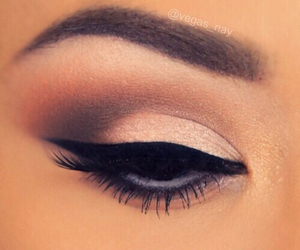 makeup, eyeshadow, and eyeliner image