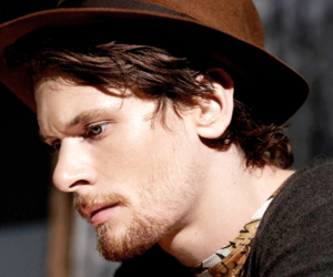jack o'connell and skins image