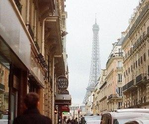 indie and paris image