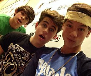 nash grier, hayes grier, and taylor caniff image