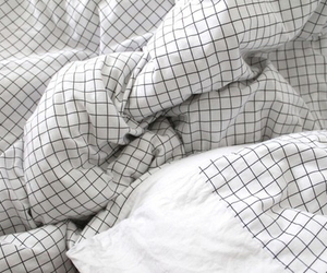 bedsheet, grunge, and soft image