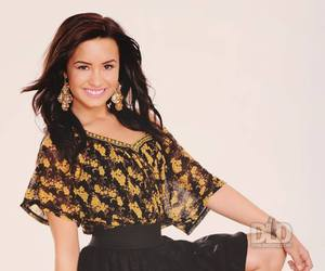 lovato, sexie, and photoshoop image