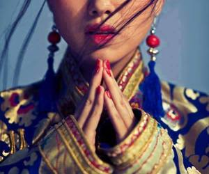 traditional dress and chinese woman image