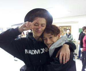 Chen, ♥, and exo image