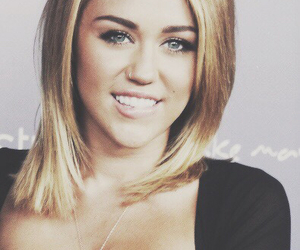 miley cyrus, perfect, and smile image