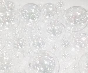 bubble and white image