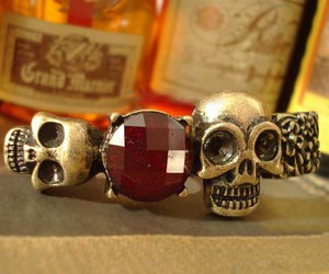 adjustable, rings, and skull image