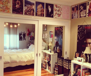 room, bedroom, and dubtrackfm image