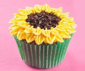 cupcake, flowers, and muffin image
