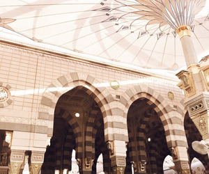 islam, mosque, and madinah image