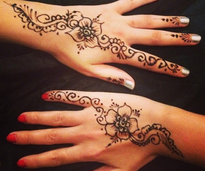girls, hands, and henna image