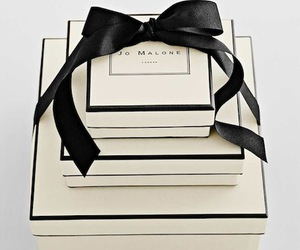 luxury, black, and gift image