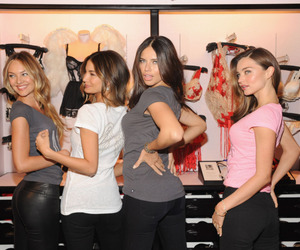 Lily Aldridge, miranda kerr, and models image