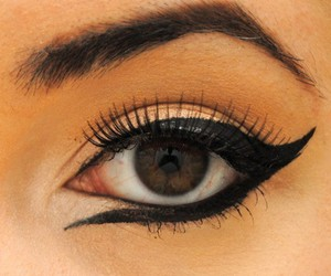 beautiful, eye, and fake lashes image