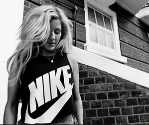 black and white, Ellie Goulding, and girl image