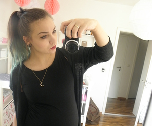 grunge, mommy, and pregnant image