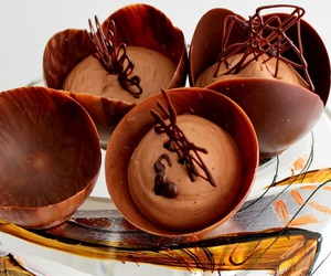 mousse and chocolate image