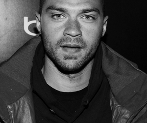 black and white, boy, and jesse williams image