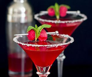 drink and raspberry image
