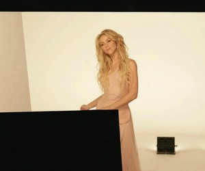 behind the scenes, shakira, and eau florale image