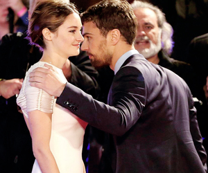 insurgent, sheo, and divergent image