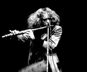 jethro tull and ian anderson image