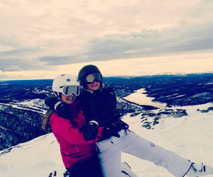 are, best friend, and snow image