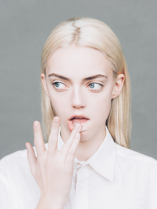 pyper america smith, blue eyes, and cauc desc image