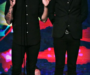 louis tomlinson, Harry Styles, and one direction image