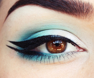 makeup, blue, and eyeliner image