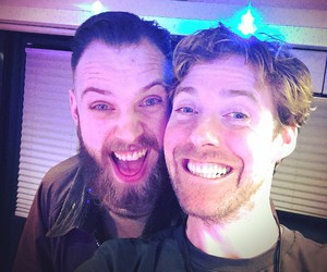 kaiser chiefs and ricky wilson image