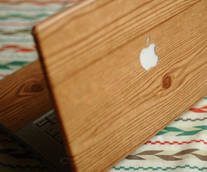 apple and wood image