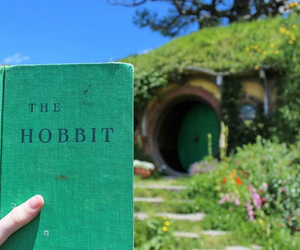 the hobbit, books, and new zealand image
