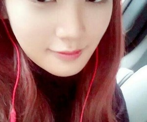 hair, red, and kpop image