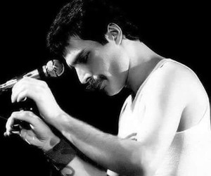 Queen, Freddie Mercury, and black and white image