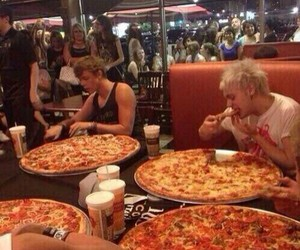 5sos, michael clifford, and pizza image