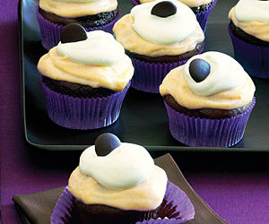 cupcake, chocolate, and frosting image