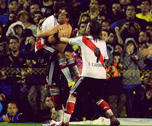 river and river plate image