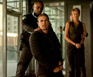 insurgent, tris, and theo james image