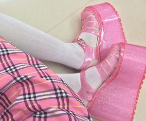glitter, kawaii, and pink image