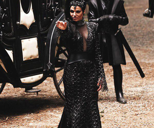 evil queen, ouat, and lana parrilla image