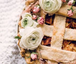 pie and flowers image