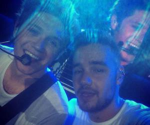selfie, one direction, and liam payne image