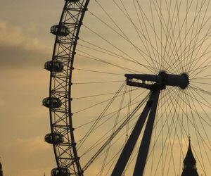 london, london eye, and ferris wheel image